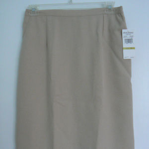 NWT ALFRED DUNNER SKIRT SIZE 14